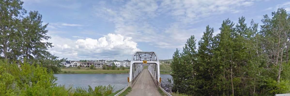 Precedence footbridge